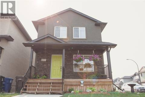 House for sale at 402 Klassen Ln Saskatoon Saskatchewan - MLS: SK767554