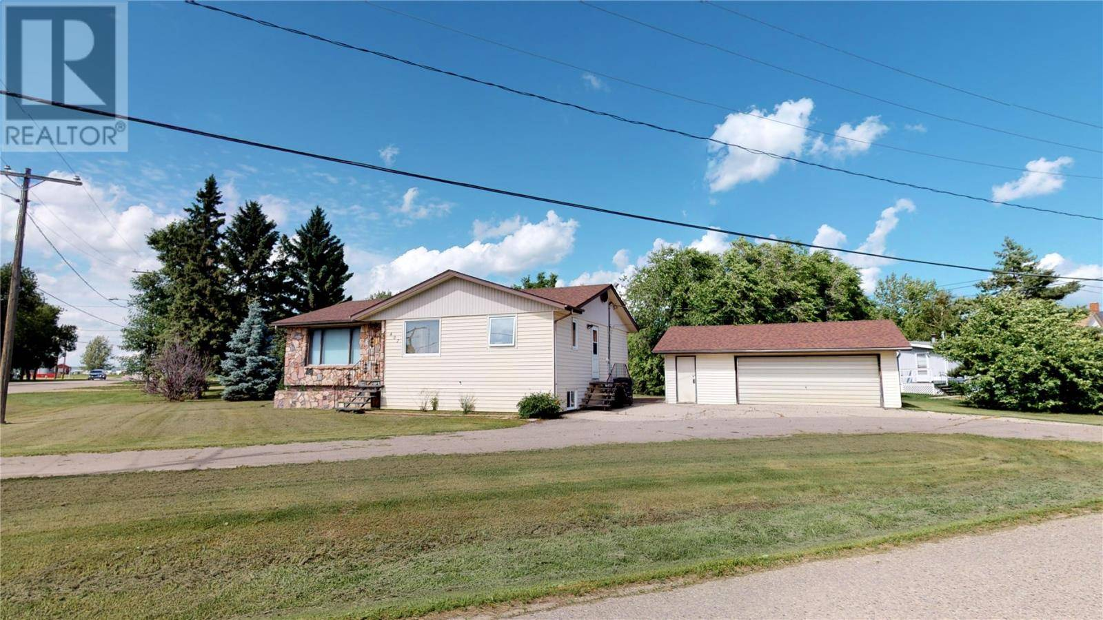 House for sale at 402 Main St Arcola Saskatchewan - MLS: SK759092