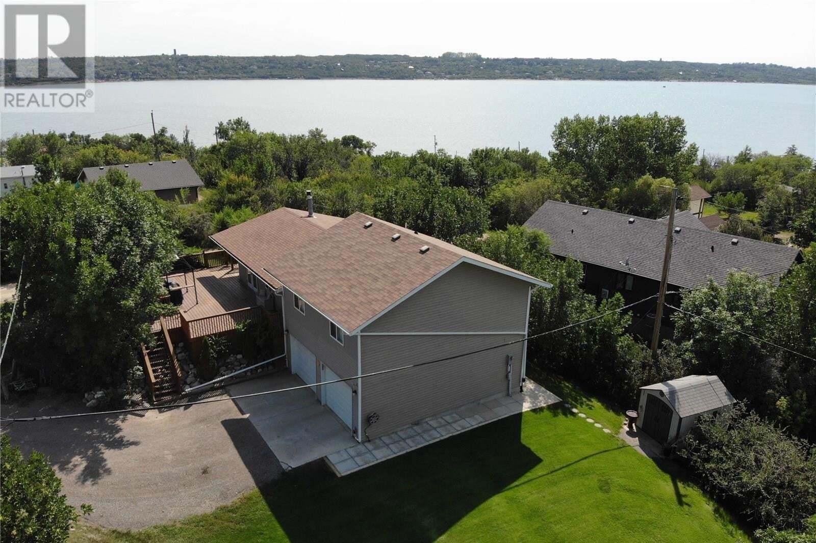 House for sale at 402 Walter St Saskatchewan Beach Saskatchewan - MLS: SK815055