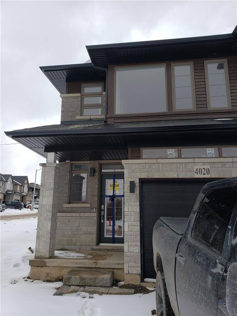 Townhouse for sale at 4020 Crown St Beamsville Ontario - MLS: H4073281