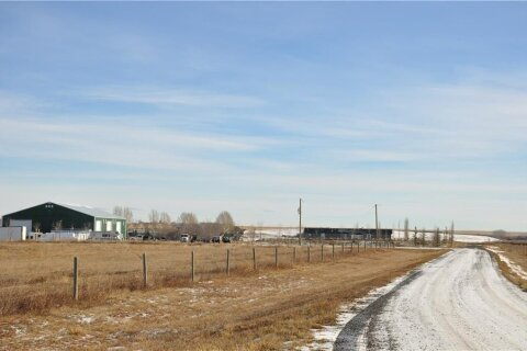 402088 1085 Drive E, Rural Foothills County | Image 1