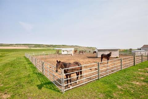 House for sale at 402132 64 St West Rural Foothills County Alberta - MLS: C4220779