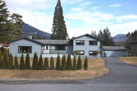 House for sale at 40228 Diamond Head Rd Squamish British Columbia - MLS: R2348707