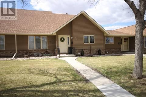 Townhouse for sale at 4024 Garnet St Regina Saskatchewan - MLS: SK798459