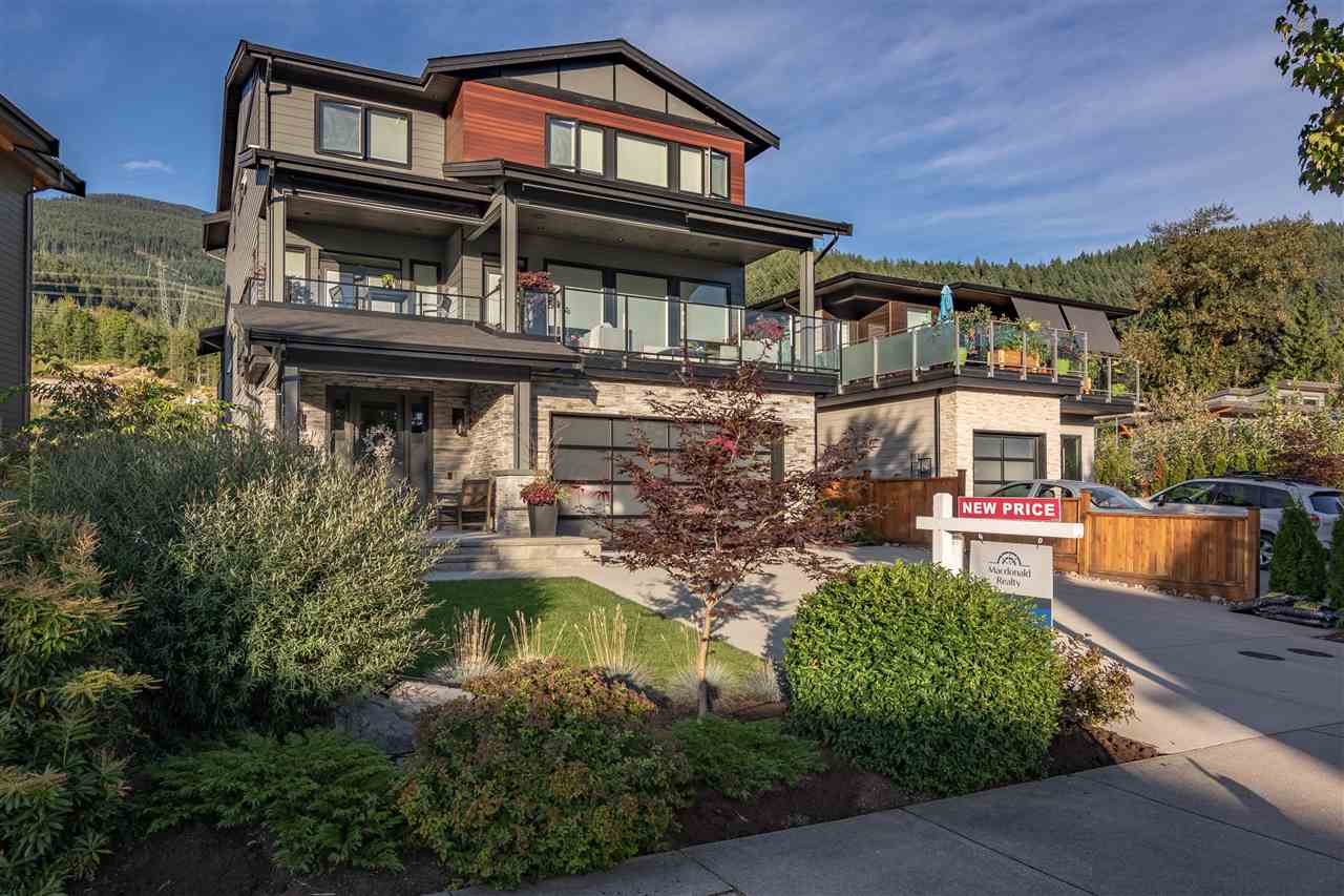 For Sale: 40252 Aristotle Drive, Squamish, BC | 5 Bed, 4 Bath House for $1995000.