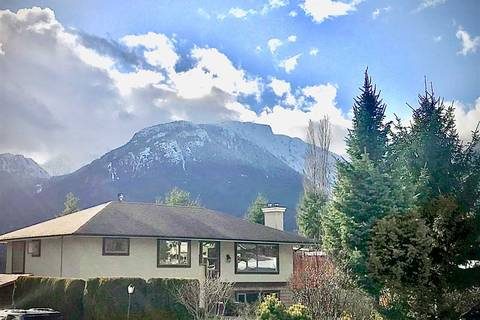 House for sale at 40269 Ayr Dr Squamish British Columbia - MLS: R2444243