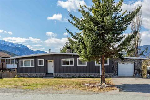 House for sale at 40275 Ayr Dr Squamish British Columbia - MLS: R2447353
