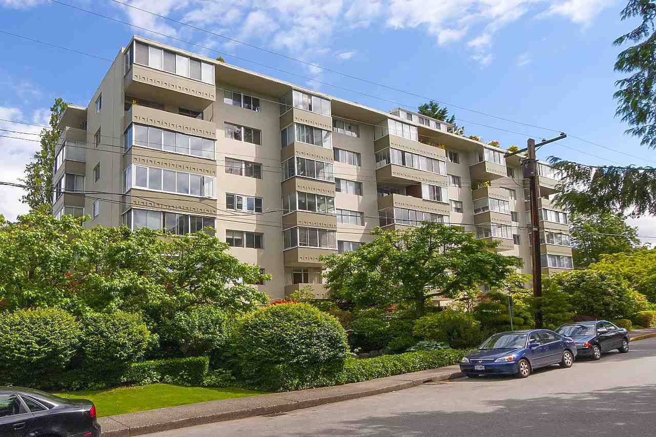 Removed: 403 - 1425 Esquimalt Avenue, West Vancouver, BC - Removed on 2020-03-19 05:33:14