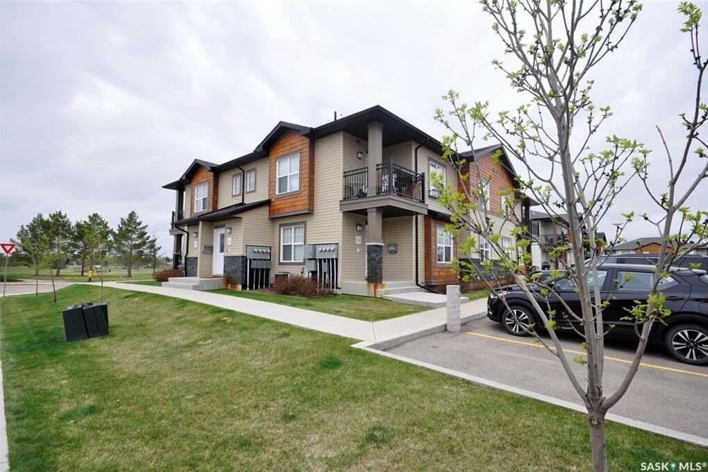 Townhouse for sale at 2315 Mcclocklin Rd Unit 403 Saskatoon Saskatchewan - MLS: SK809584