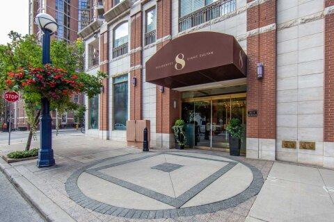 Apartment for rent at 8 Sultan St Unit 403 Toronto Ontario - MLS: C4994296