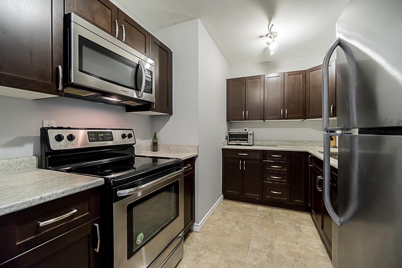 Buliding: 10644 151a Street, Surrey, BC