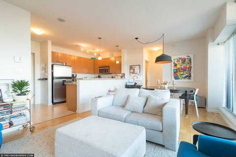 Condo for sale at 11 Royal Ave E Unit 404 New Westminster British Columbia - MLS: R2376887
