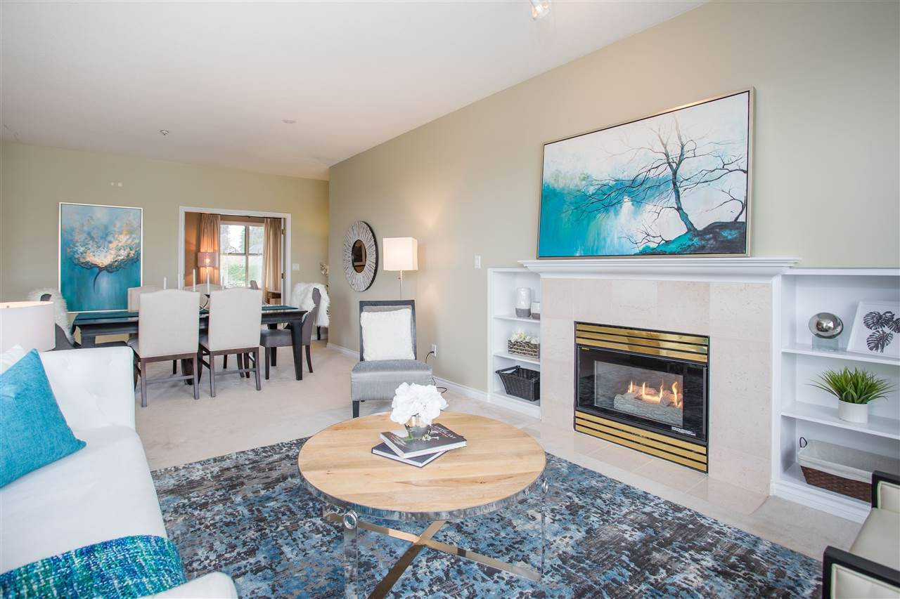Hampton Court Condos: 1765 Marine Drive, West Vancouver, BC