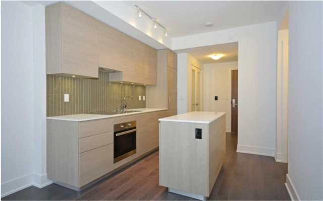 For Sale: 404 - 200 Bloor Street, Toronto, ON | 1 Bed, 2 Bath Condo for $799,000. See 10 photos!