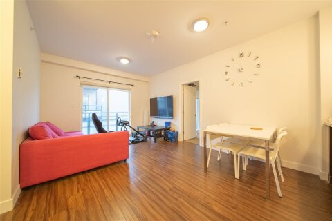 Condo for sale at 7727 Royal Oak Ave Unit 404 Burnaby British Columbia - MLS: R2466107