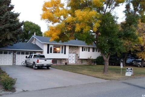 House for sale at 404 Magnan St Gravelbourg Saskatchewan - MLS: SK810943