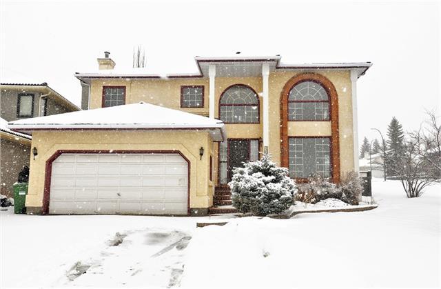 Sold: 404 Scandia Bay Northwest, Calgary, AB