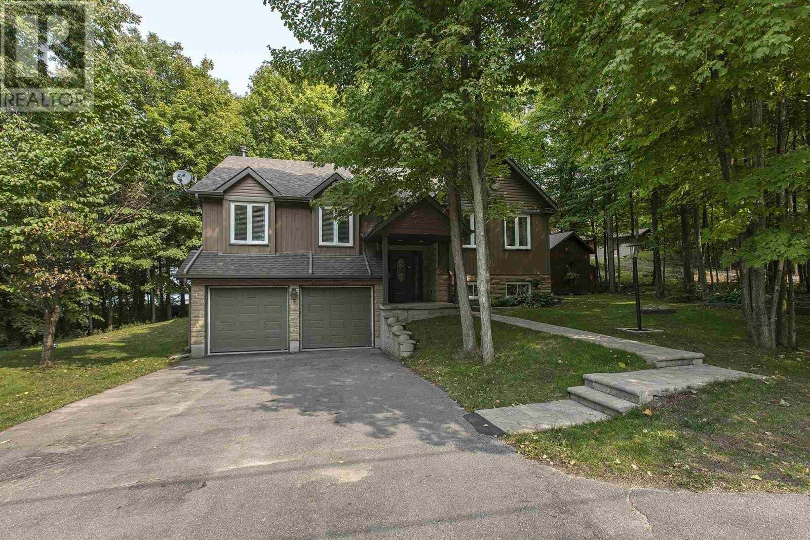 House for sale at 4044 Stone Point Rd South Frontenac Ontario - MLS: K20005463
