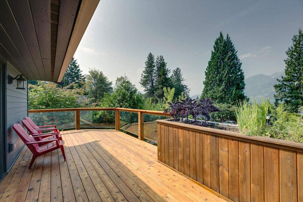 For Sale: 40448 Ayr Drive, Squamish, BC | 6 Bed, 4 Bath House for $1,399,000. See 20 photos!