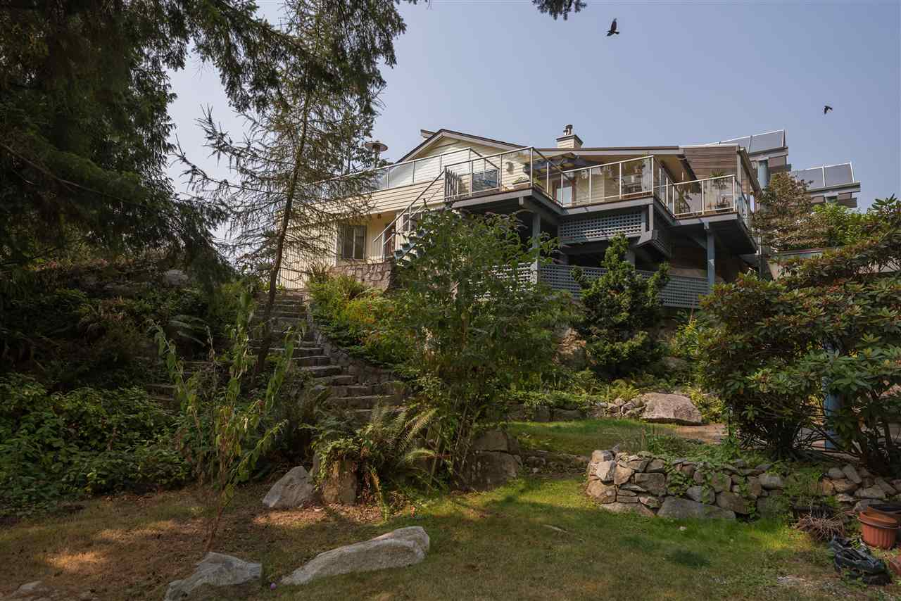 For Sale: 4048 Rose Crescent, West Vancouver, BC | 3 Bed, 3 Bath House for $3,188,000. See 20 photos!