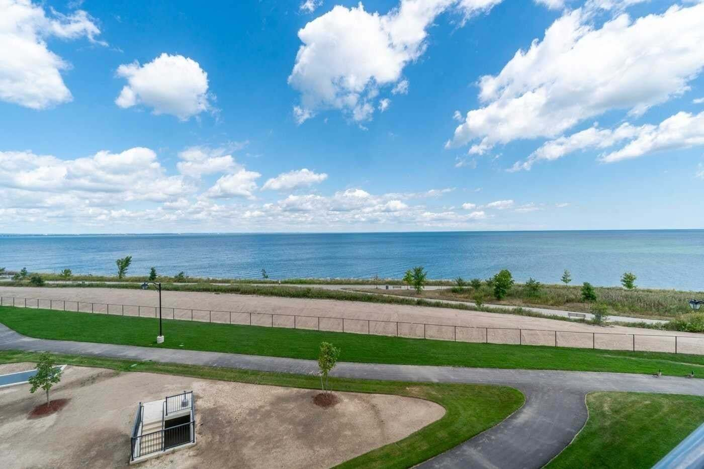Buliding: 101 Shoreview Place, Hamilton, ON