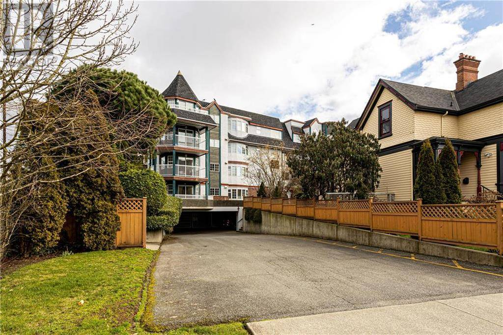 Condo for sale at 1220 Fort St Unit 405 Victoria British Columbia - MLS: 420778