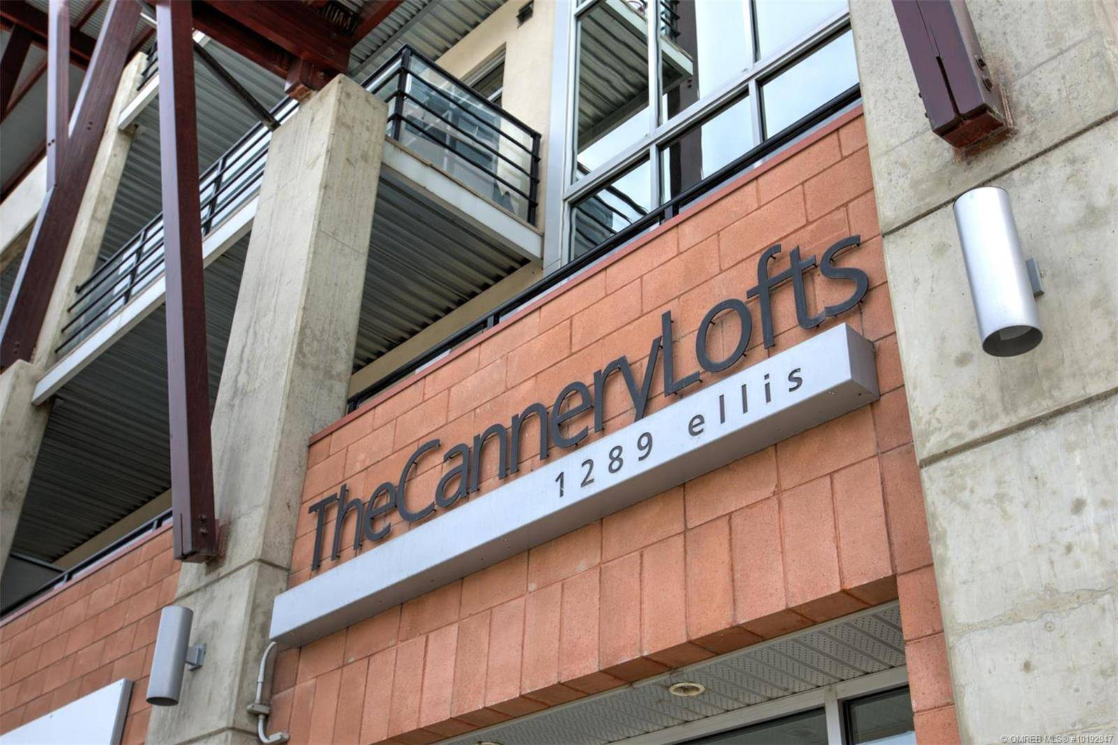 Condo for sale at 1289 Ellis St Unit 405 Kelowna British Columbia - MLS: 10192947