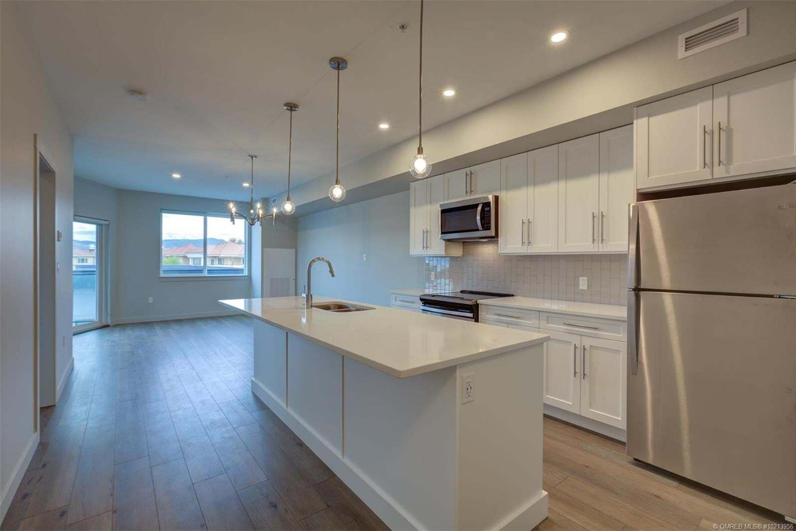 Condo for sale at 3630 Mission Springs Dr Unit 405 Kelowna British Columbia - MLS: 10213956