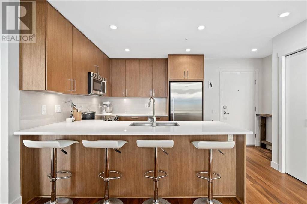 Condo for sale at 3912 Carey Rd Unit 405 Victoria British Columbia - MLS: 420160