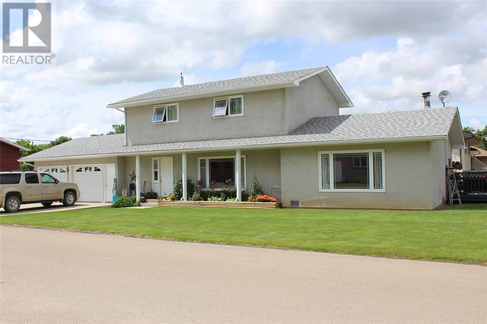 House for sale at 405 4th Ave E Shaunavon Saskatchewan - MLS: SK817729
