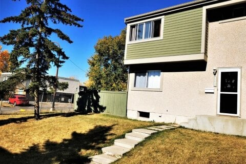 Townhouse for sale at 405 64 Ave NE Calgary Alberta - MLS: A1040305