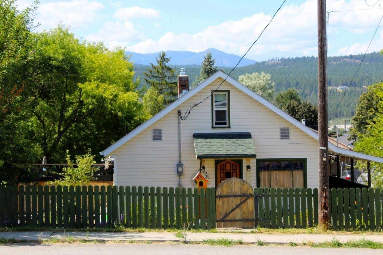 House for sale at 405 9th Avenue S  Cranbrook British Columbia - MLS: 2453616