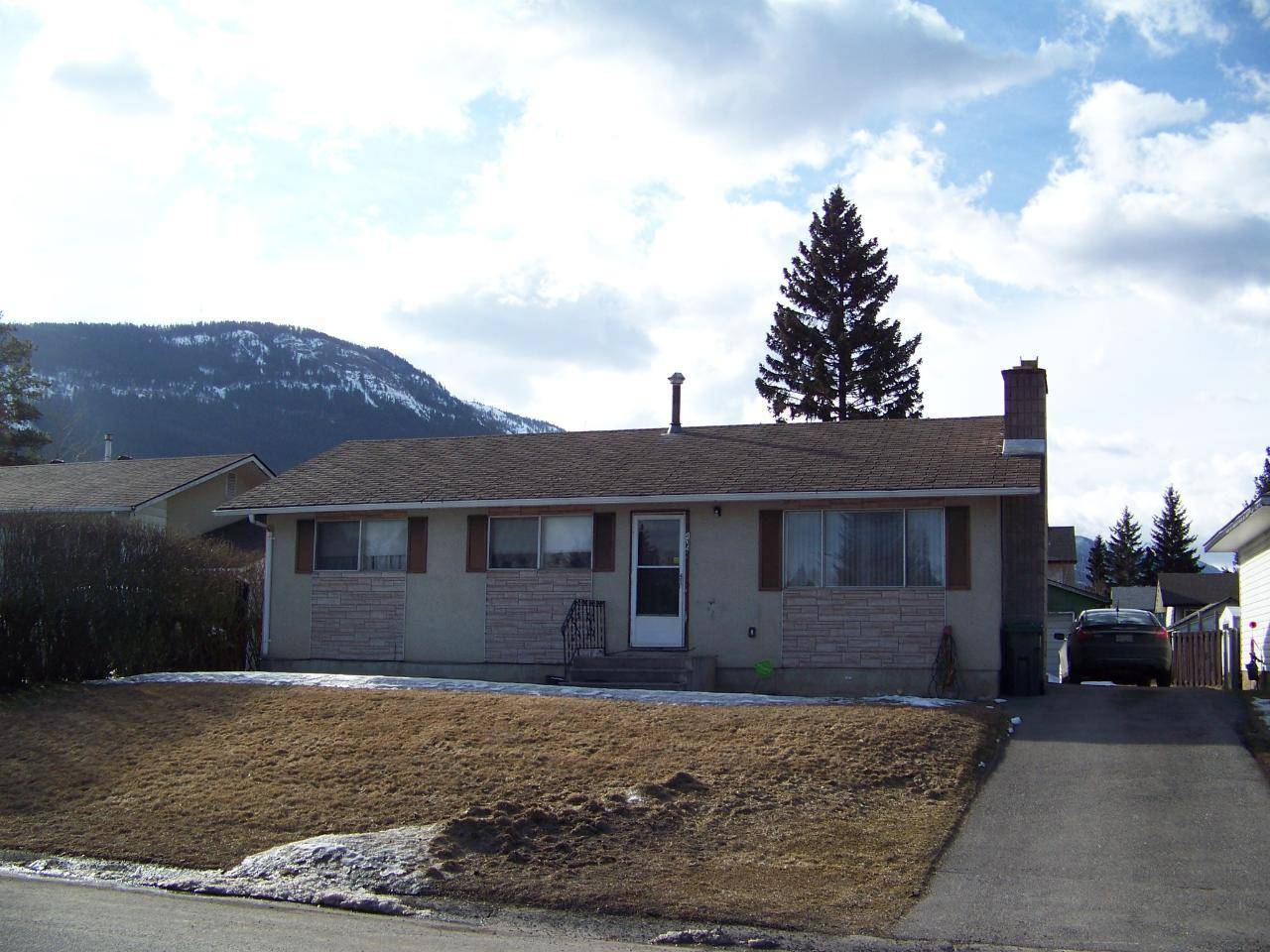 House for sale at 405 Engelmann Spruce Drive  Sparwood British Columbia - MLS: 2451329