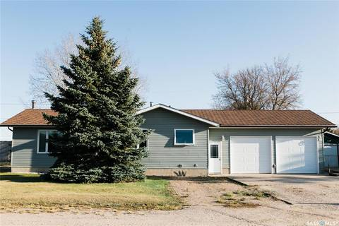 House for sale at 405 Lincoln Ave Hanley Saskatchewan - MLS: SK808011