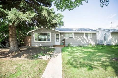 House for sale at 405 Y Ave N Saskatoon Saskatchewan - MLS: SK794083