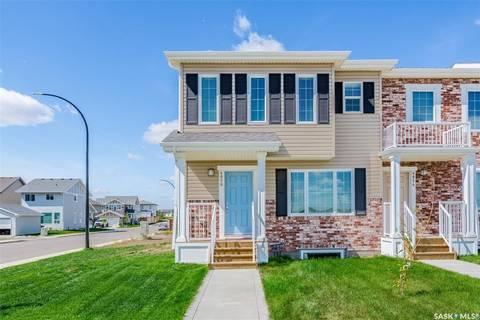 Townhouse for sale at 4058 Brighton Circ Saskatoon Saskatchewan - MLS: SK801319