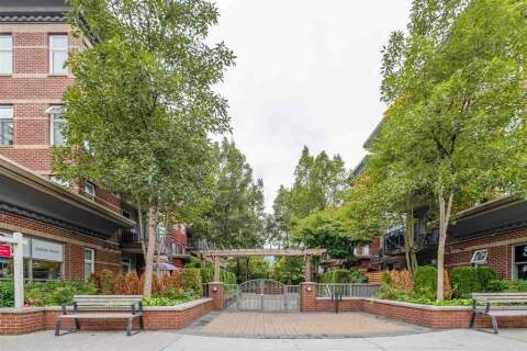 Condo for sale at 3260 St Johns St Unit 406 Port Moody British Columbia - MLS: R2500493