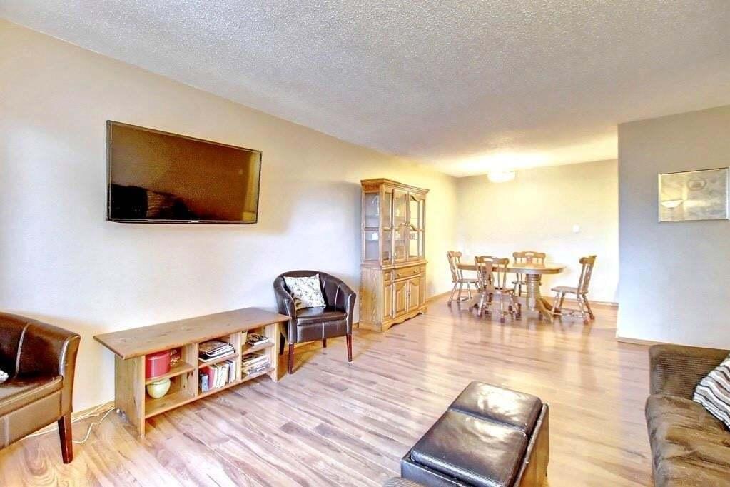 Condo for sale at 617 56 Av SW Unit 406 Windsor Park, Calgary Alberta - MLS: C4290997