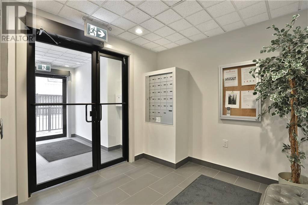 Condo for sale at 73 Washington Ave Unit 406 Oakville Ontario - MLS: 30767056