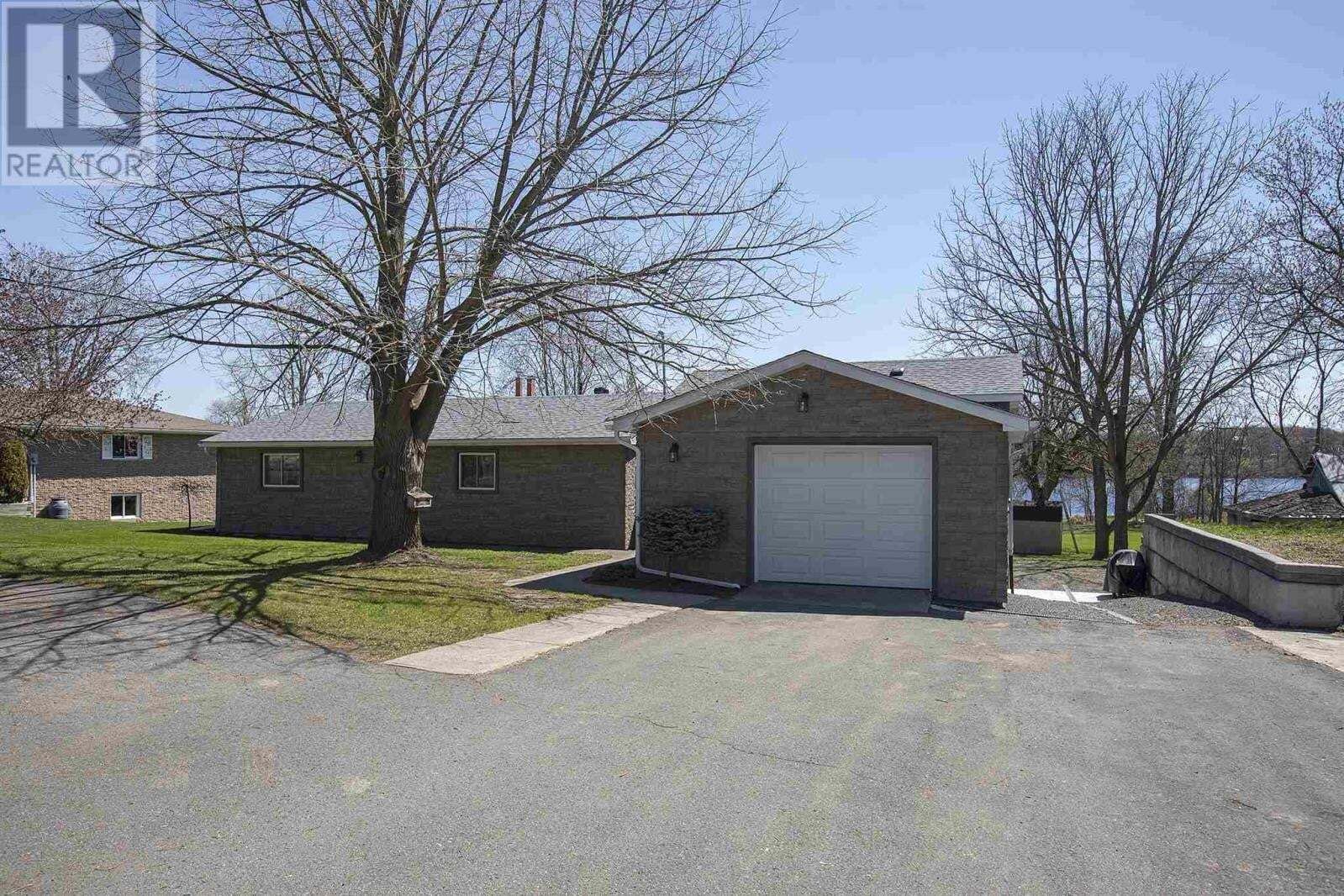 House for sale at 406 Dundas St Napanee Ontario - MLS: K20002273