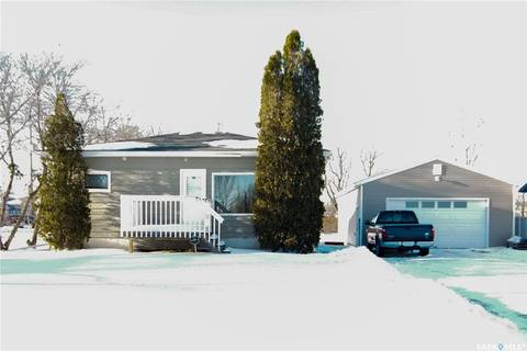 House for sale at 406 Garfield Ave Hanley Saskatchewan - MLS: SK797863