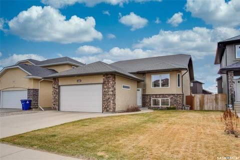 House for sale at 406 Laycock Cres Saskatoon Saskatchewan - MLS: SK806574