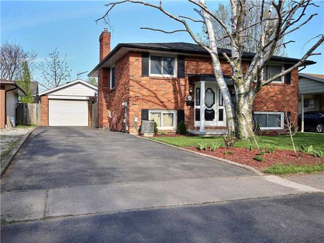 For Sale: 4062 Brookdale Drive, Niagara Falls, ON | 2 Bed, 2 Bath House for $415,000. See 15 photos!