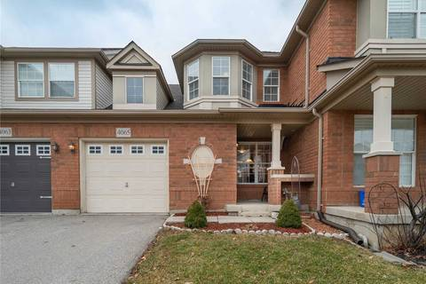 Townhouse for sale at 4065 Donnic Dr Burlington Ontario - MLS: W4669821