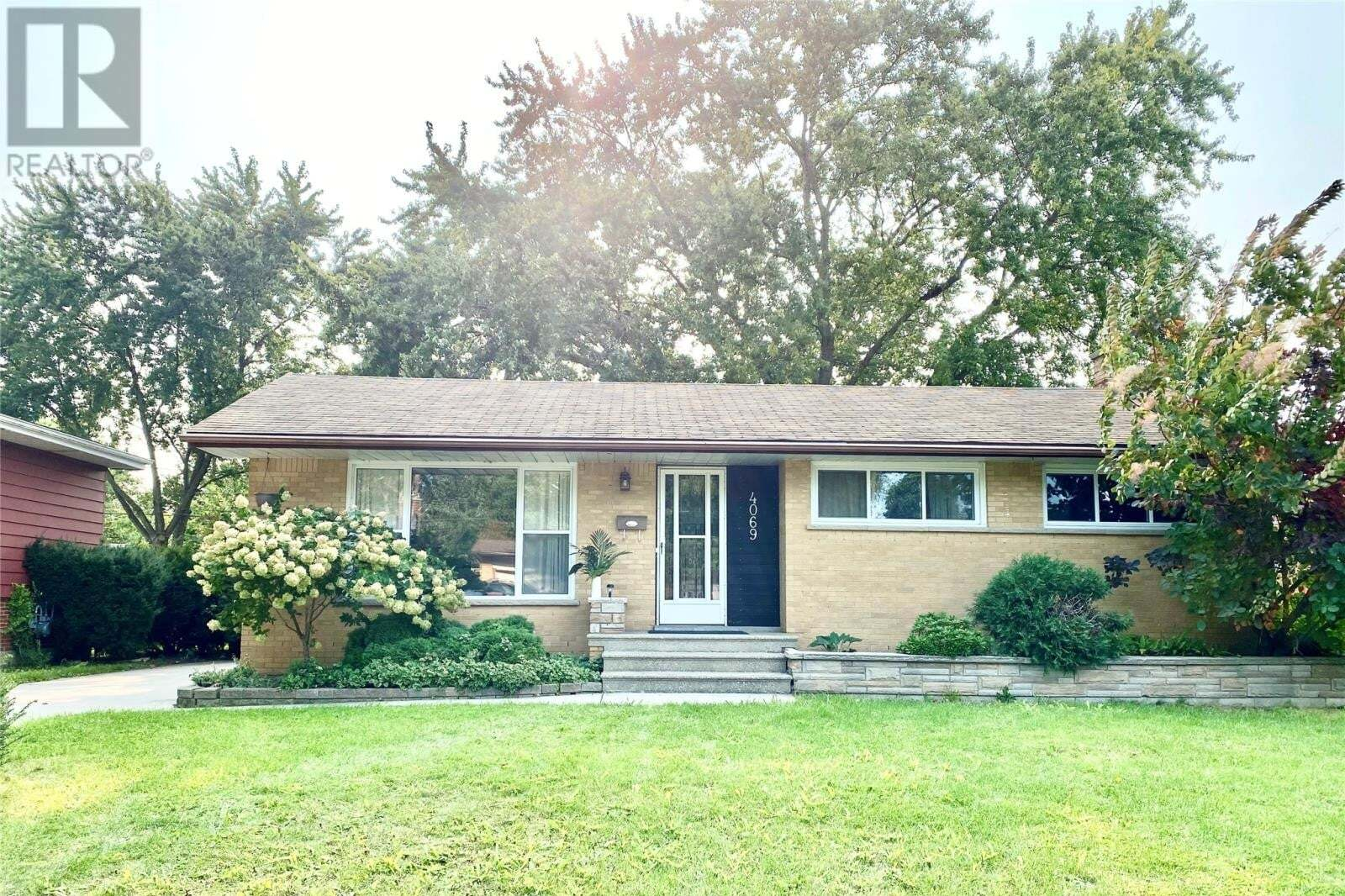 House for sale at 4069 Longfellow  Windsor Ontario - MLS: 20012166