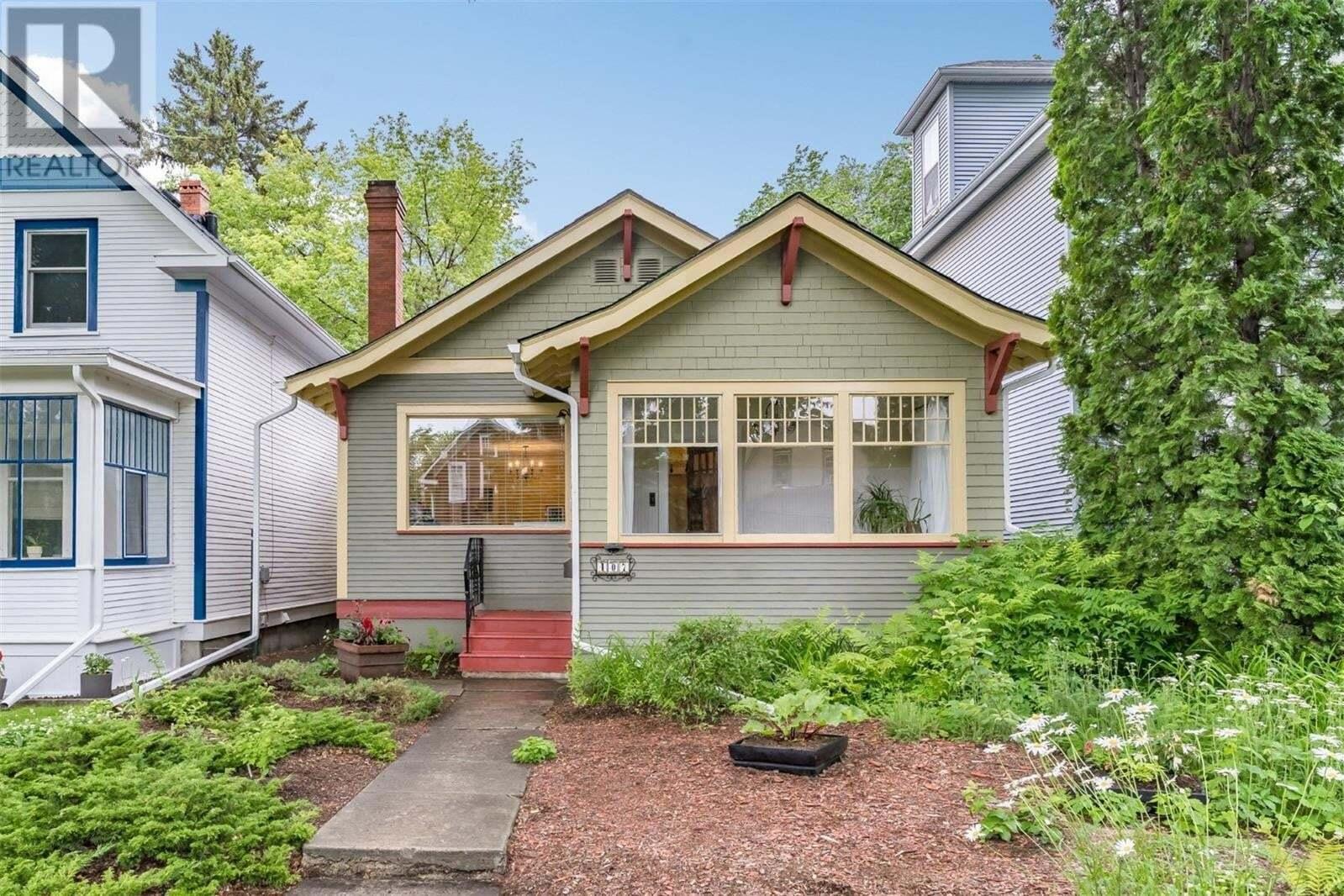 House for sale at 407 28th St W Saskatoon Saskatchewan - MLS: SK814943