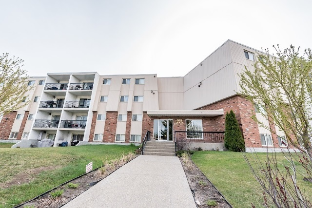 Buliding: 3835 107 Street, Edmonton, AB