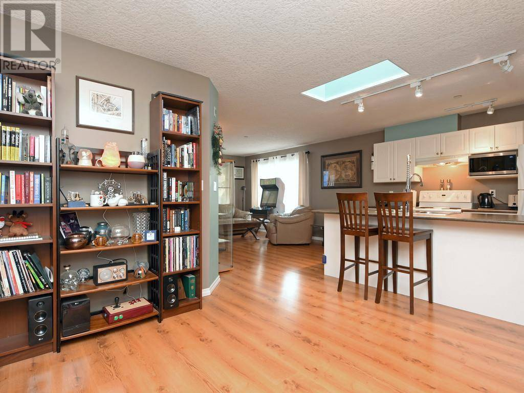 Condo for sale at 893 Hockley Ave Unit 407 Victoria British Columbia - MLS: 417300