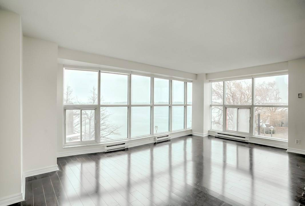 Apartment for rent at 99 Harbour Sq Unit 407 Toronto Ontario - MLS: C4648052
