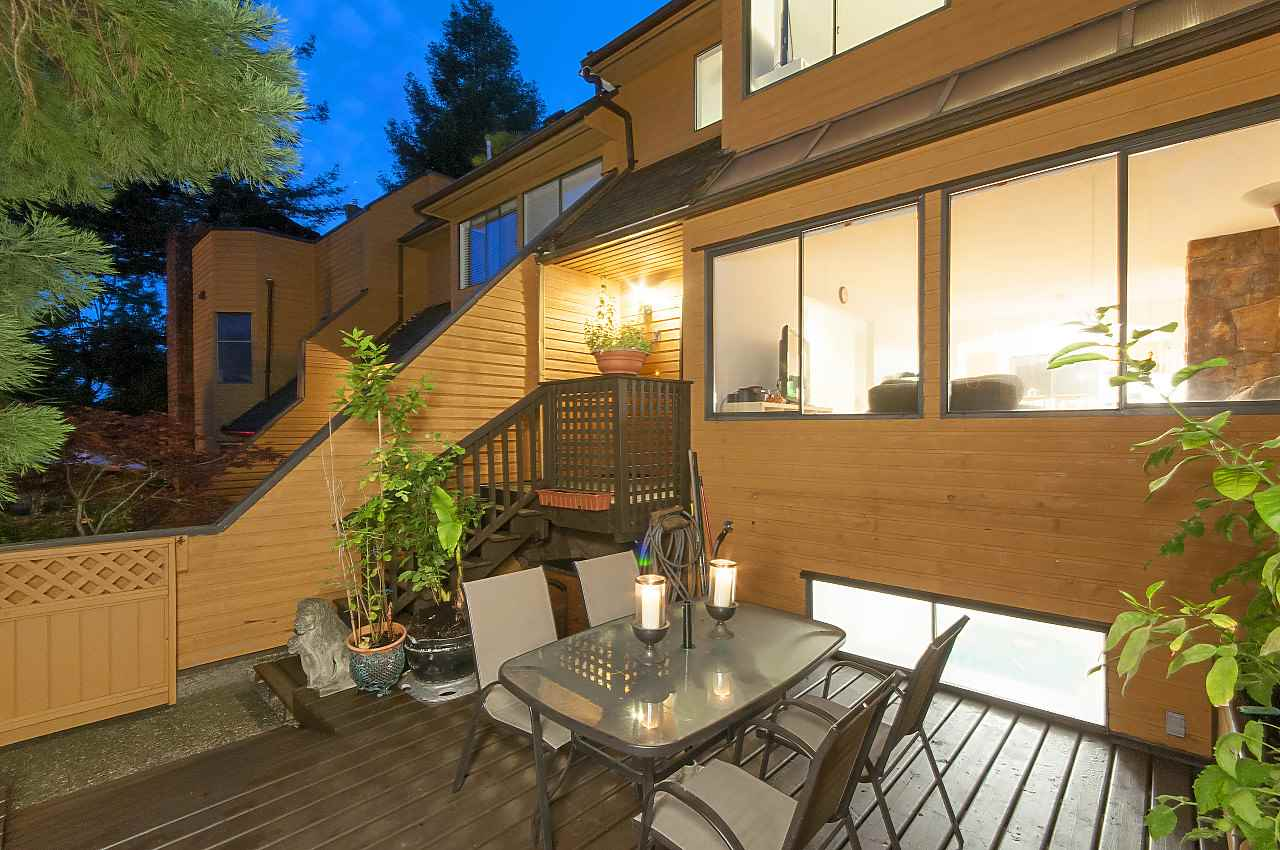 Removed: 407 Chesterfield Avenue, North Vancouver, BC - Removed on 2017-12-04 14:08:08